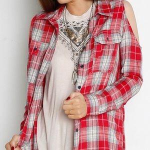Velvet Heart Red Plaid Cold Shoulder Shirt Sz S
